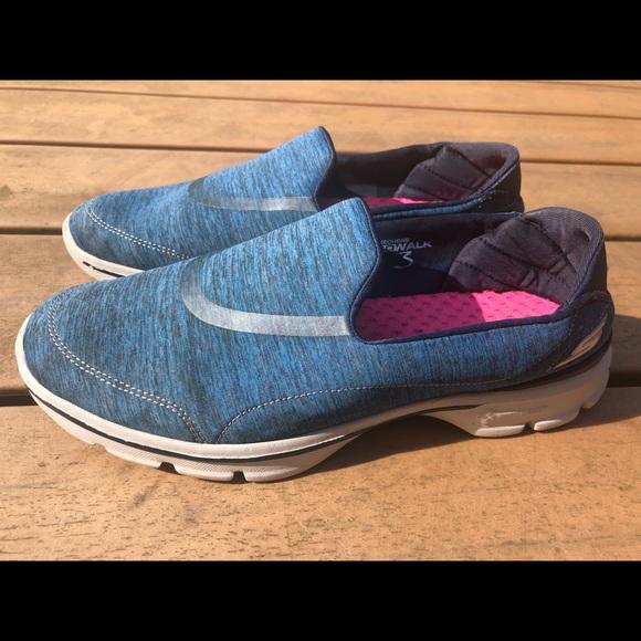 Skechers Gowalk 3 Women S Slip On Shoes Size 9
